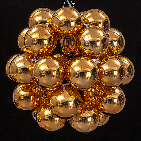 Winnie lui, a 'beads penta' ceiling light, innermost.