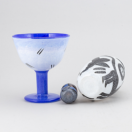Ulrica hydman-vallien, a set of two glass vases and a bowl, kosta boda.