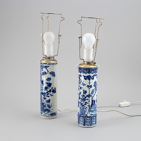 Two blue and white vases, turned into table lamps, qing dynasty, late 19th century.