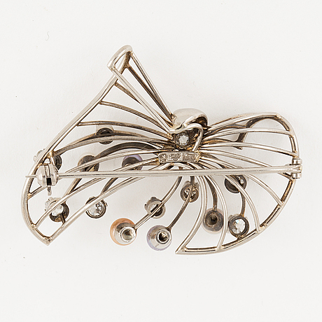 Old-cut diamond and pearl brooch.