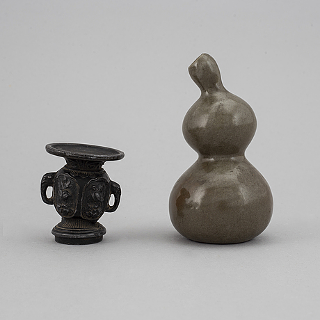 Two chinese vases, qingdynasty.