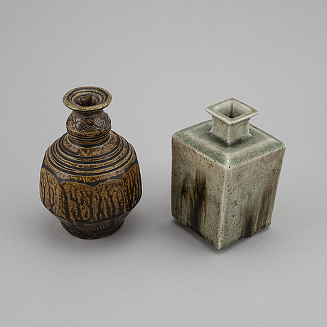 Two south east asian vases, 19th/20th century.