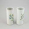 A pair of chinese vases, early 20th century.