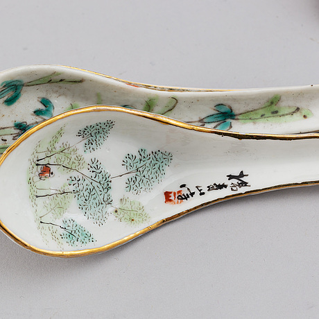 A group of 32 chinese spoons, 20th century.