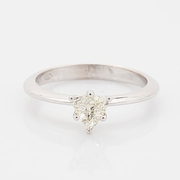 Trillion-cut diamond ring 0,50 ct.