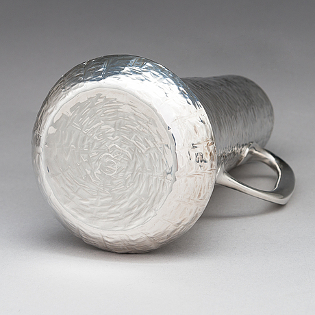 Tapio wirkkala, pitcher with six beakers in sterling silver marked tw, kultakeskus oy, hämeenlinna finland 1972.