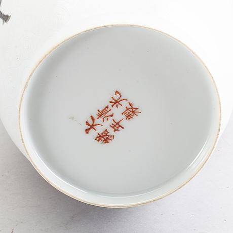 Vas, porslin, modern tillverkning kina.