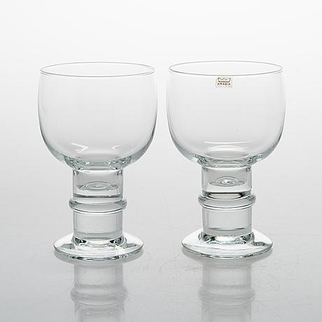 Heikki orvola, a 45-piece set of 'herttua' glassware, arabia, latter half of 20th century.
