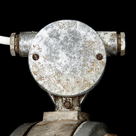 Industrilampa, idman, l 10-46, 1900-talets mitt.