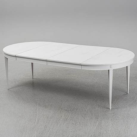 A late 20th century dinner table.