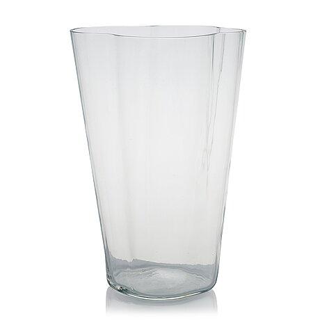 Alvar aalto, a '3032'vase signed alvar aalto 3032.