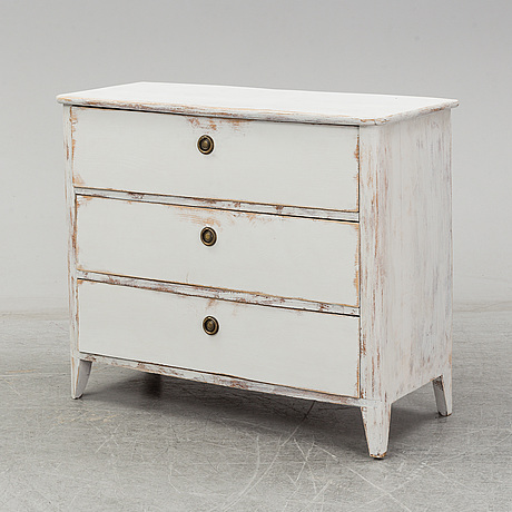 A mid 20th century chest of drawers.