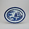 A blue and white export fish dish with inlay, qing dynasty, jiaqing (1795-1820).