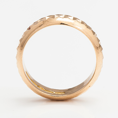 An 18k gold ring. westerback, helsinki 1971.