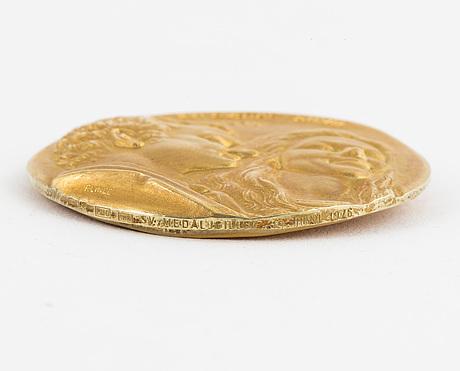 Minnesmedalj carl xvi gustaf och silvia 1976, 18k guld.