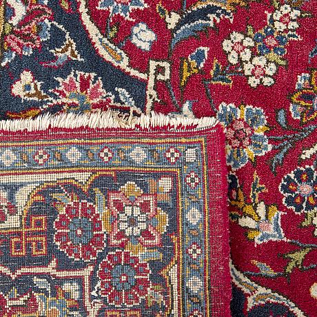 A semiantique keshan carpet ca 281 x 184 cm.