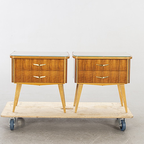 SÄngbord ett par 1950/60-tal.
