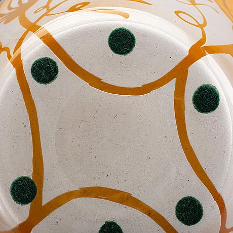 Bertil vallien, skålar 2 stycken kosta boda, större signerad.