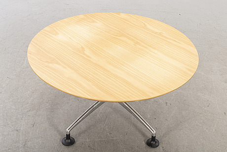 A lounge table 21th century.