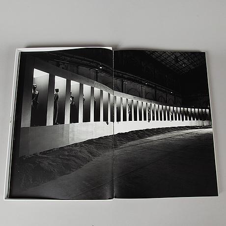"""Rick owens, fotobok, """"l'ai-je bien descendu?"""", 2007, numrerad 386/1000."""