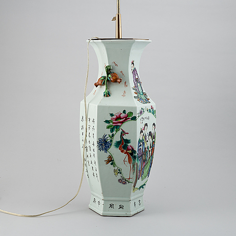 A large chinese vase, mounted as a lamp, first half of 20th century.