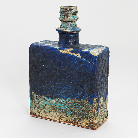 Annikki hovisaari ceramic vase, signed ah, arabia.