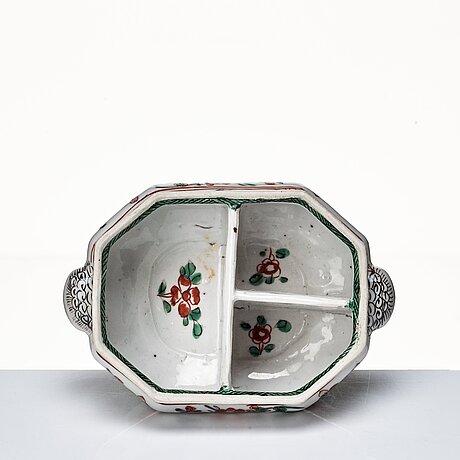 A famille verte cruet stand, qing dynasty (1662-1722).
