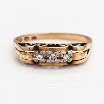 A 14K gold ring with diamonds ca. 0.06 ct in total. Holger Grön, Helsinki 1957.