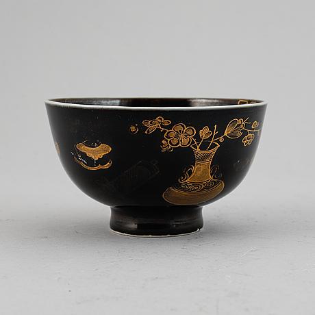 A black glazed bowl, qing dynasty, 18th century.