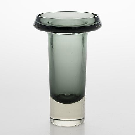 Kaj franck, a glass vase, model kf 260. signed k franck nuutajärvi notsjö -62.