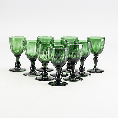 A set of 10 wine glasses from around 18/1900:s.