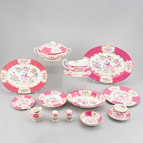 A part 'pink cockatrice' dinner and coffee and tea service, england, minton, early 20th century (123 pieces).
