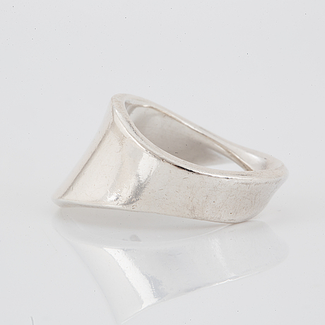 Vivianna torun bülow-hübe, georg jensen, ring, sterlingsilver. nr 148.