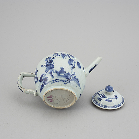 A blue and white figural teapot with cover, qing dynasty, qianlong (1736-95).