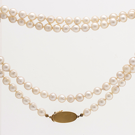 Pearl necklace cultured pearls approx 7,5 mm, clasp 18k gold, length approx 85 cm.