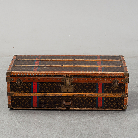Louis vuitton, a vintage trunk from the early 20th century.