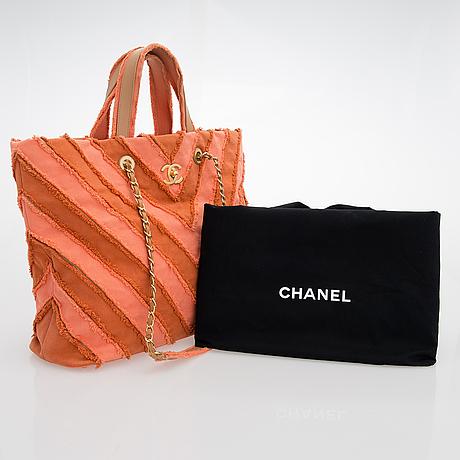 "Chanel,  ""canvas chevron patchwork shopper"", vÄska, 2017."