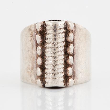 Rosa taikon, bernd janusch, ring, silver.