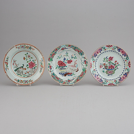 A set of five odd famille rose plates, qing dynasty, qianlong (1736-95).