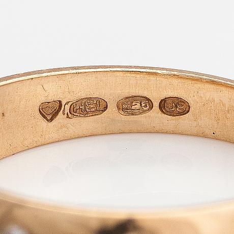 Sormus, 14k kultaa, timantteja n. 0.03 ct yht. h. lahtinen & co, helsinki 1997.
