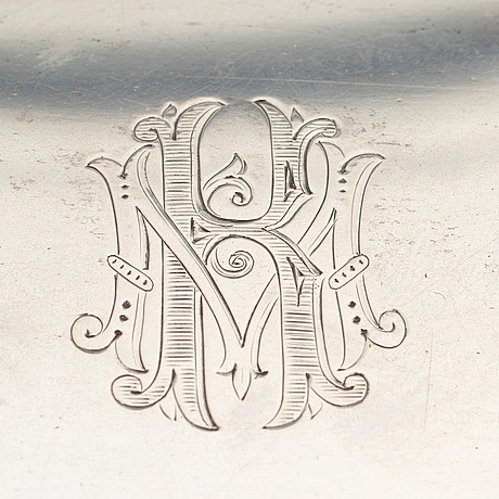 A silver cigarette box, mark of sam pettersson, linköping 1909.