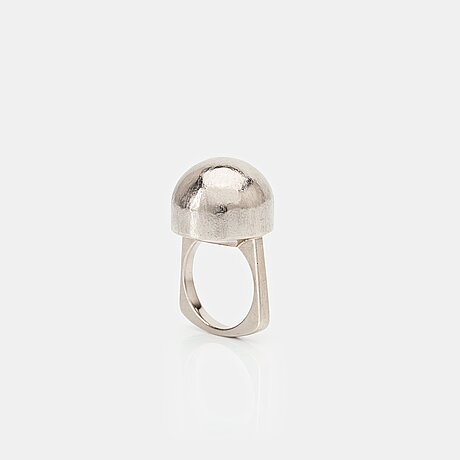 Sigurd persson, an 18k white gold ring, stockholm 1965.
