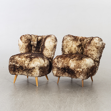 A pair of mid 20th century easy chairs.