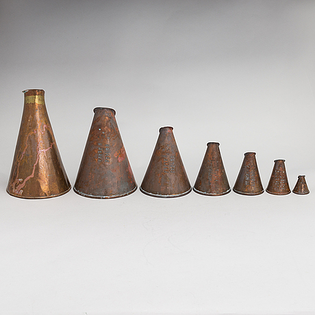 7 swedish measuring cups from 20th century.