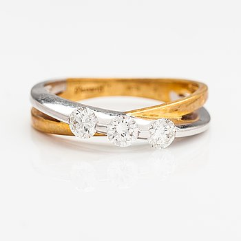 An 18K gold ring with diamonds ca. 0.50 ct in total. France.