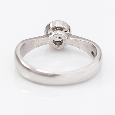 A 14k white gold ring with a ca. 0.50 ct diamond according to engraving.