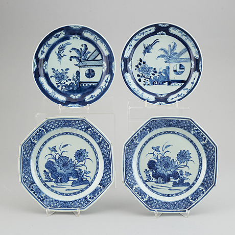 Four (2+2) blue and white dishes, qing dynasty, 18-19th century.