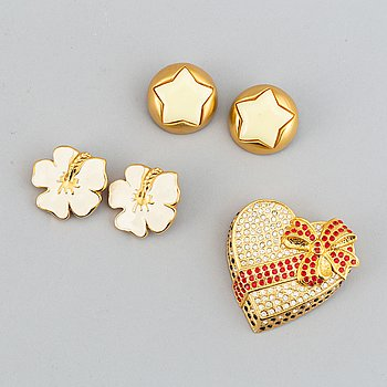 ESCADA, a brooch and  two pair of earclips.