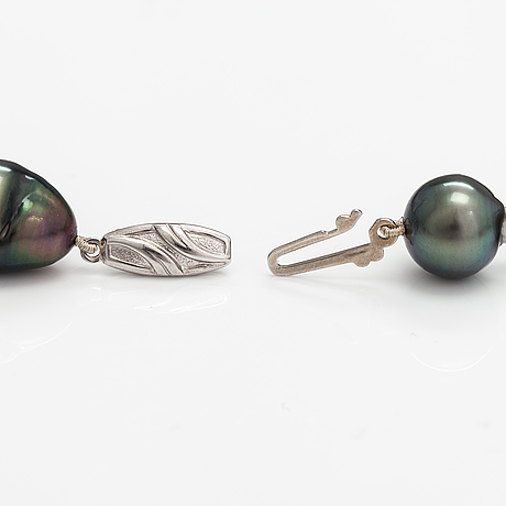 Pärlcollier, odlade pärlor, silver.
