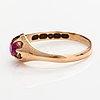 Sormus, 14k kultaa, synteettinen rubiini.